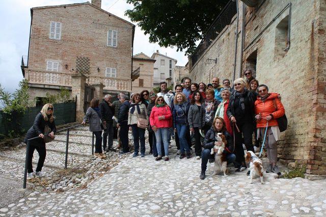 Foto di gruppo alla Scampagnata di Primavera della Banca del Tempo Riviera delle Palme a Moresco
